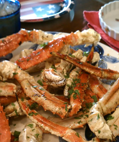Crab Legs with Garlic Butter Sauce | Recipe Thieves